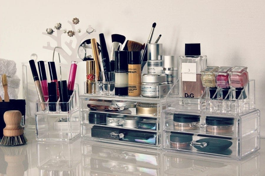 The Best Ways To Store Your Makeup | Travel Beauty Blog