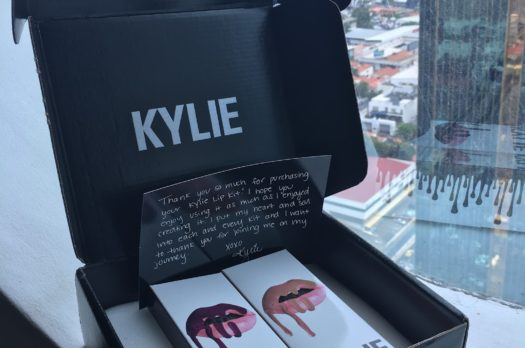 Kylie Cosmetics Un-boxing and Review