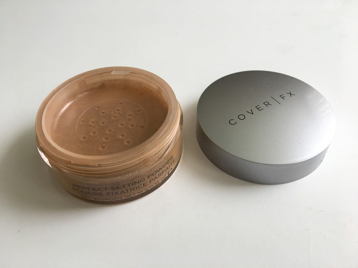 Cover FX Power Play Foundation Review | Cover FX Matte Setting Powder Review | Travel Beauty Blog