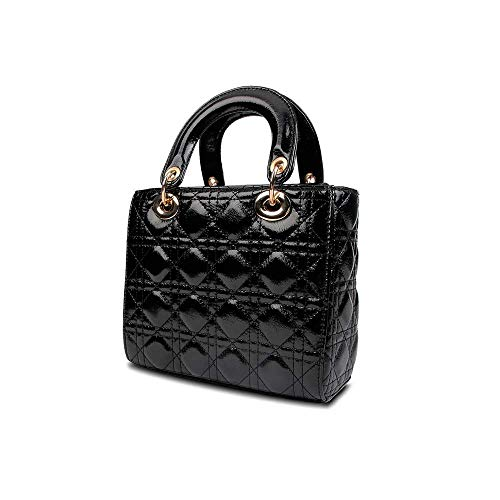 One of the main benefits of buying designer dupe bags is that you can get the luxury look for less. No need to spend thousands of dollars on a single item unless you really want to. Of course, the designer dupe can't and won't ever compare to the real thing. But as I mentioned in my Valentino Dupes post, there are pros and cons of buying designer dupe items.