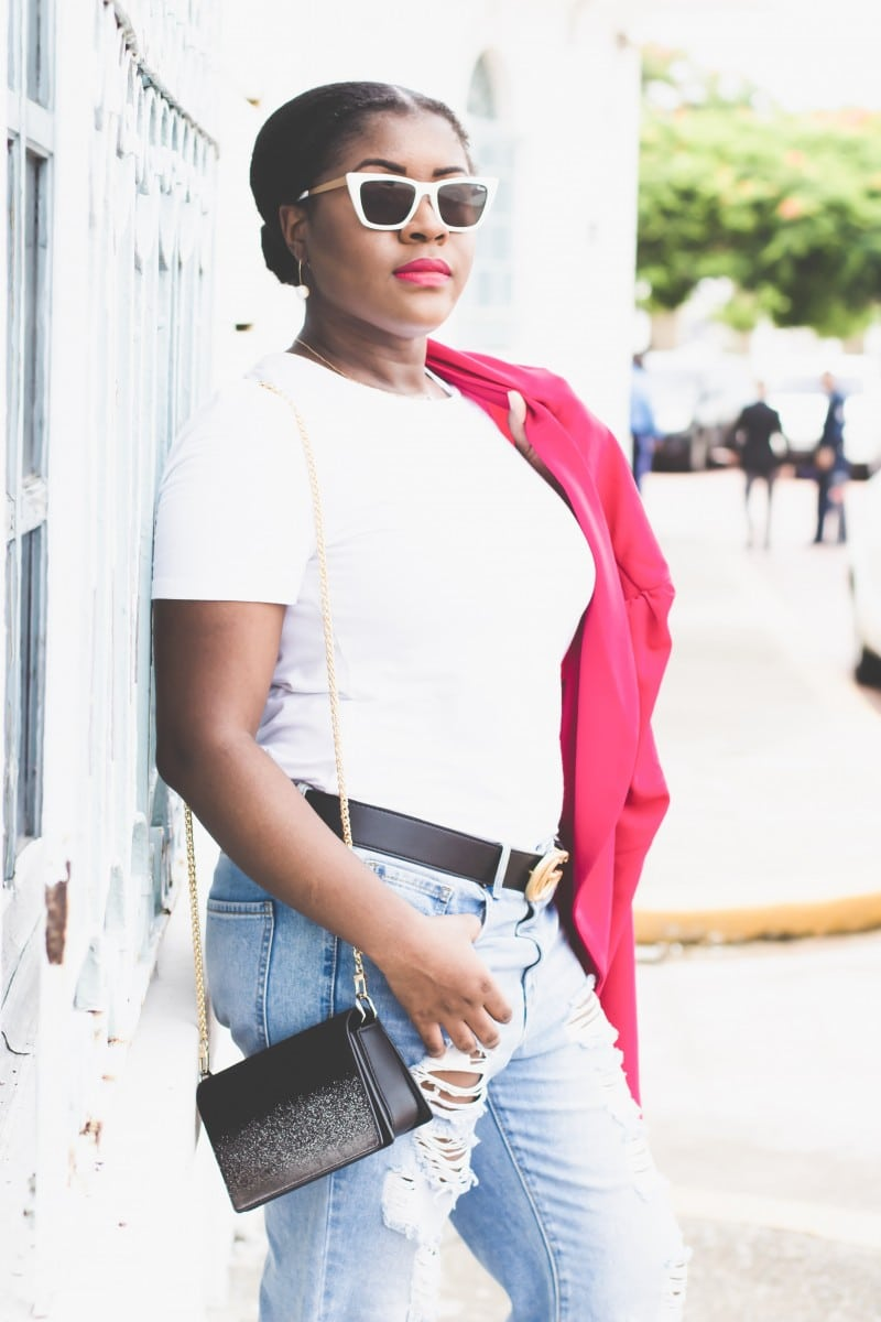 How To Wear A White Tee And Look Good   Travel Beauty Blog